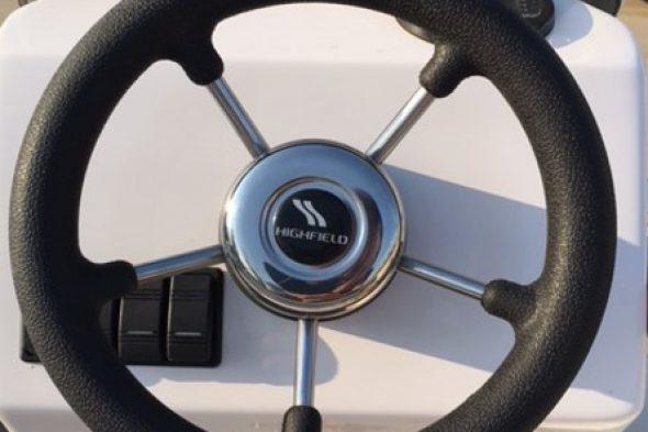STEERING WHEEL V28B ( 280 mm diameter )